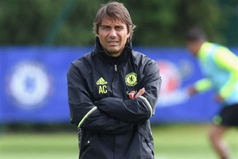 chelsea today antonio conte takes chelsea training for the first time