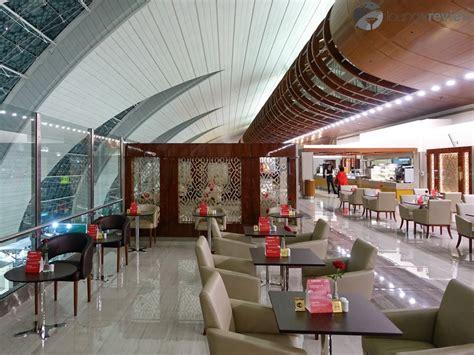 emirates business class lounge dubai lounge review emirates business class lounge at dubai