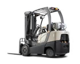 crown equipment debuts new combustion forklift