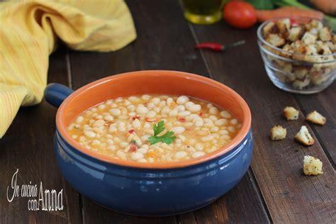 fagioli secchi a bagno zuppa di fagioli un piatto povero ricco di gusto