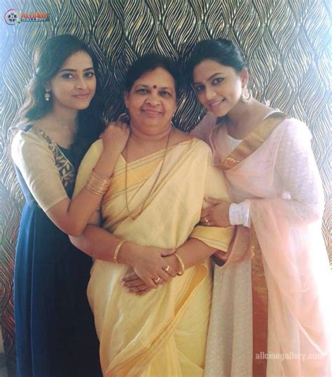 actress ramya real age sri divya biodata biography profile age height weight sister