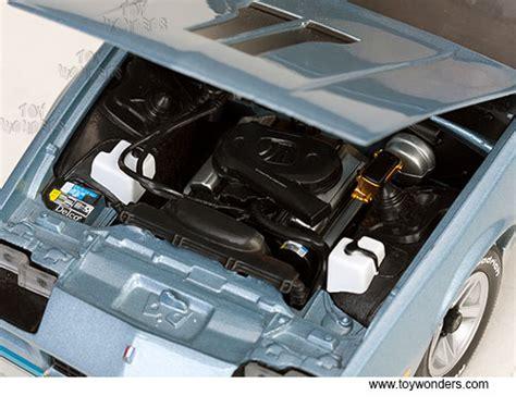 Diecast 1982 Chevrolet Camaro Light Blue 1 18 Diecast Model Car By Su 1982 chevy camaro z28 t top 1929bu 1 18 scale sun usa