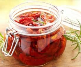 cucinare i pomodori secchi pomodori secchi sott olio la ricetta per preparare i