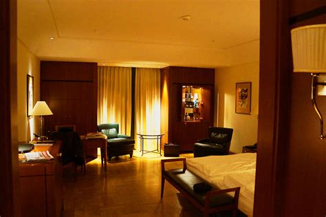 file umass hotel room jpg wikimedia commons file business room hotel adlon berlin jpg wikimedia commons