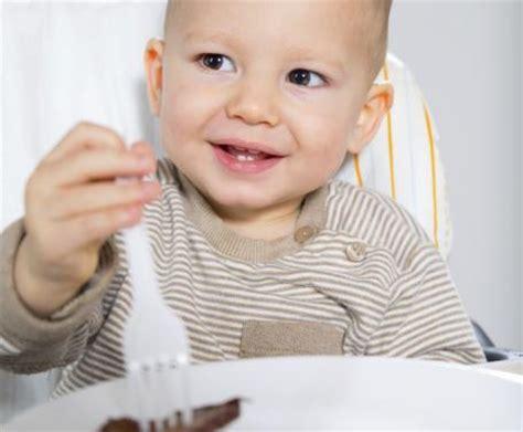 neonato 10 mesi alimentazione alimentazione per bambini di 10 mesi guida allo