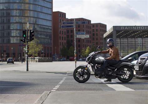 Motorrad Cafe Berlin by Kawasaki Motorr 228 Der Cruiser Classic Vulcan S Cafe Light