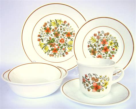 corelle pattern finder vintage corelle quot indian summer quot dishes date to the late