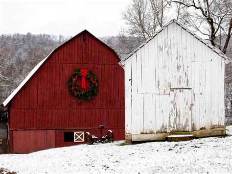 decorating a steel barn for christmas rustic decorating ideas diy