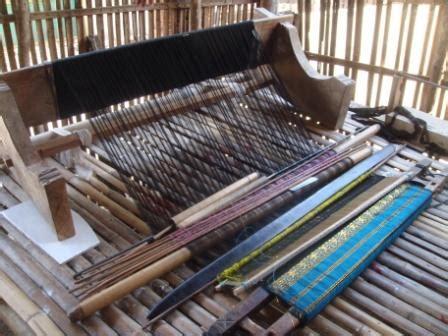 Sisir Tenun mengenal alat tenun tradisional bima dompu romantika mbojo