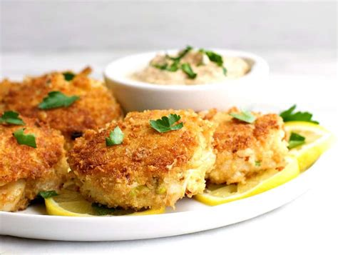 easy crab cake recipe easy crab cakes pinch and swirl