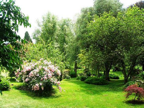 giardini tv giardino di ninfa angolo di paradiso piccolagrandeitalia tv