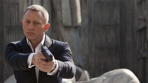 film action terbaik james bond daniel craig reportedly returning for bond 25