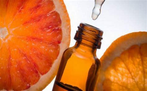 olio essenziale fiori d arancio olio essenziale di arancio amaro e aromaterapia come