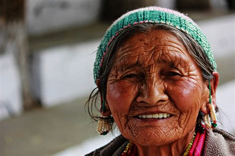 old ladies old smiling lady at leh india travel forum indiamike com