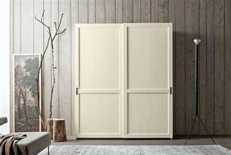 guardaroba due ante armadio a due ante scorrevoli in legno