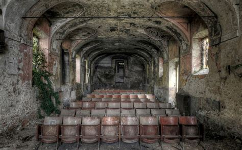 abandoned places images of these abandoned places will give you chills