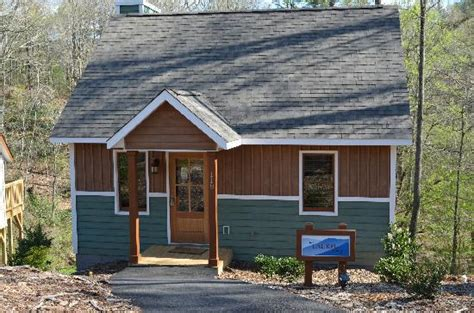 the cabins picture of mount airy carolina