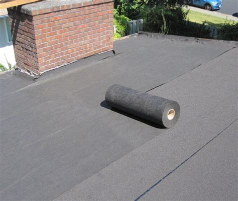 define rubber st roofing roll