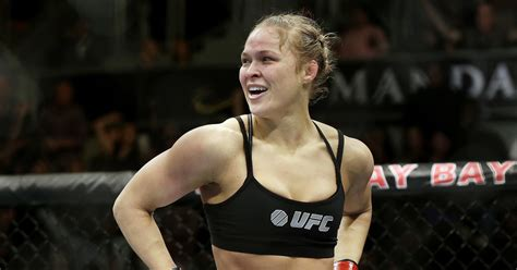 rhonda rousey seattle mist ronda rousey saying little to promote ufc 207 comeback