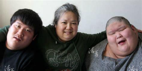 film kisah nyata anak autis kisah haru janda 20 tahun rawat anak kembar obesitas dan