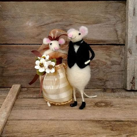 Wedding mice cake topper amimal Mouse groom bride garter