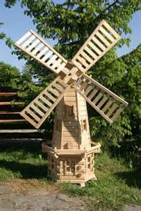 pictures of yard windmills