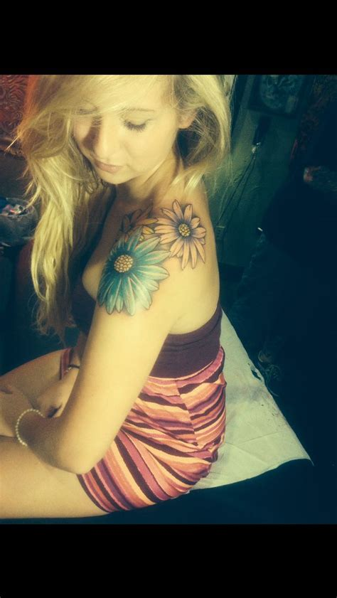 daisy shoulder tattoo 51 best tattoos images on ideas for tattoos