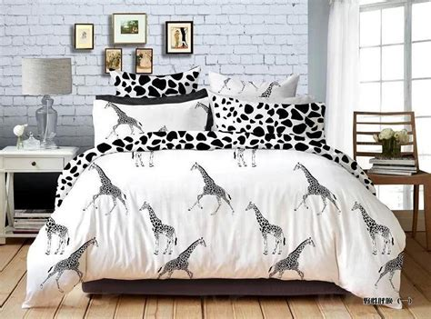 giraffe bedroom giraffe bedding totally kids totally bedrooms kids