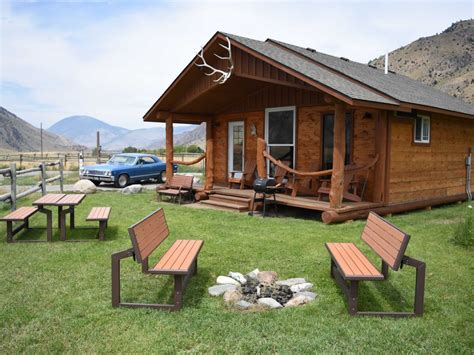 Gardiner Montana Cabin Rentals by Electric Peak Cabin At Yellowstone Park Gardiner Yellowstone Best Places To Stay Stays Io