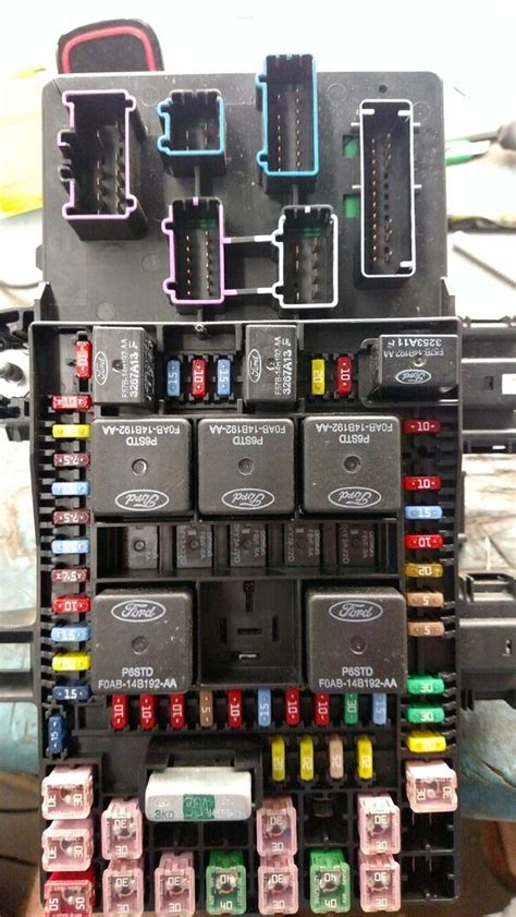 ford expedition lincoln navigator fuse box relay