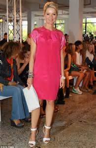 pretty in pink channel 10 news anchor sandra sully was a standout in