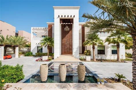 28 story house in dubai 23 000 square foot mega mansion in dubai homes of the rich the 1 real estate
