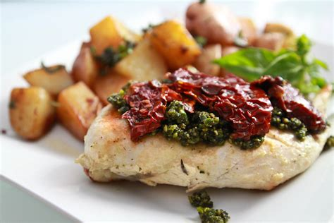 healthy chicken with pesto and sundried tomatoes linda