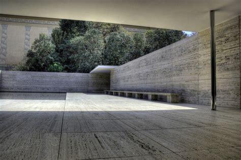patio interior en aleman cl 225 sicos de arquitectura el pabell 243 n alem 225 n mies van