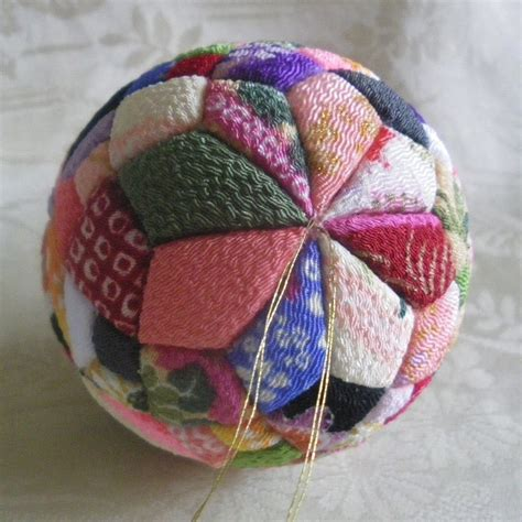 fabric covered styrofoam ball ornaments folded fabric ornament craft crafts no sew crafts country magazine picmia