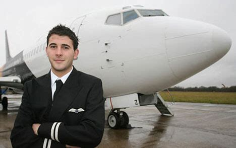 a day in the of an airline pilot books how is the typical day of an airline pilot
