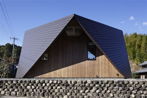 Origami Roof - fascinating origami house with architectural comfort