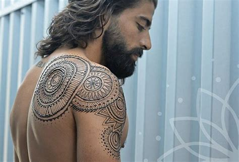 menna trend sees men wearing intricate henna tattoos