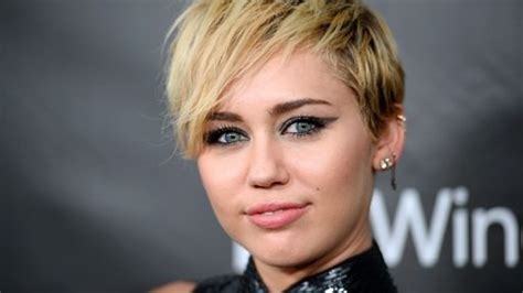 whats miley cyrus pixie cut called 20 best miley cyrus haircuts and hairstyles