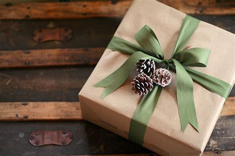 brown christmas gifts alternative and affordable gift wrapping ideas for the holidays