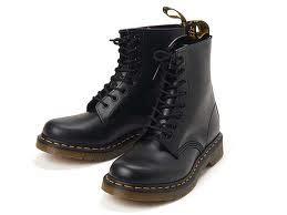 Sepatu Dokmar gemilang tahun 90an iii fashion dan musik megamenggila