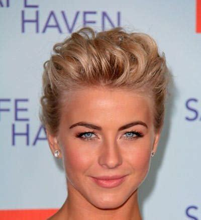Short Hair That Can Be Pulled Back | 4 best prom hairstyles for strapless dresses