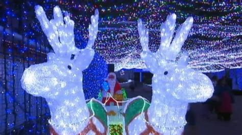 light displays australia australia brightens with record setting lights