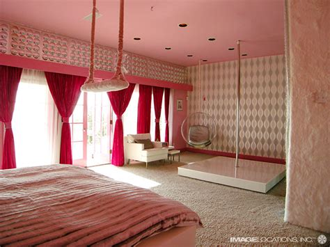 how to get kinky in the bedroom extremely colorful beach house digsdigs