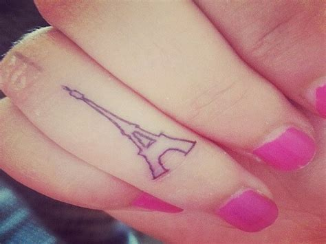 15 tiny amp cute tattoos that every would want 5 amp 8