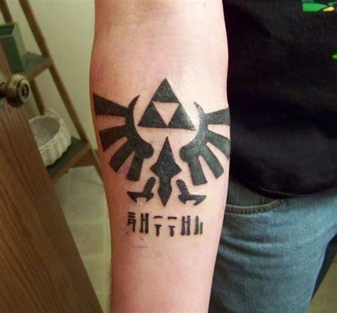 hylian crest tattoo triforce crest and hylian nerdgasms