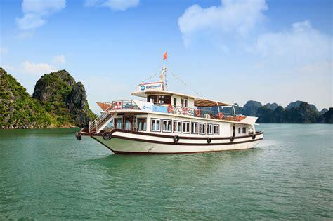 junk boat trips halong bay cruise trips in halong bay restaurants in vietnam