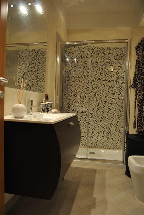 foto bagni con doccia foto bagno con doccia in mosaico di living soluzioni in