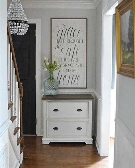 Decorating Ideas For End Of Hallway 1000 Ideas About Small Entryway Decor On