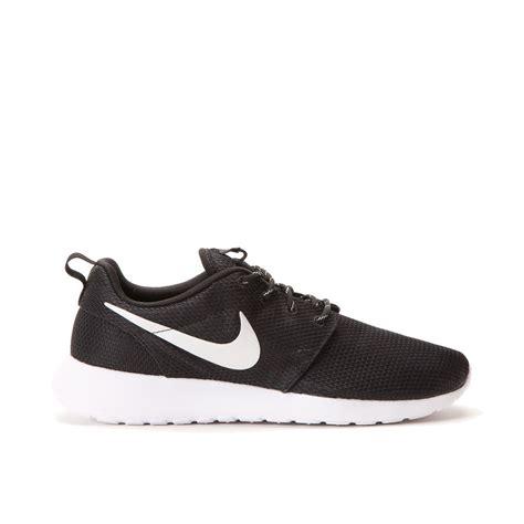 Nike Roshe Run Black White nike wmns roshe run black metallic platinum white